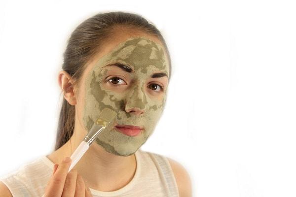 طرز استفاده از ماسک خاک رس
